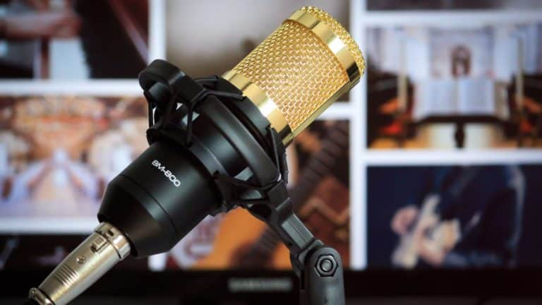 How to Create a Brand Voice on Social Media featured image