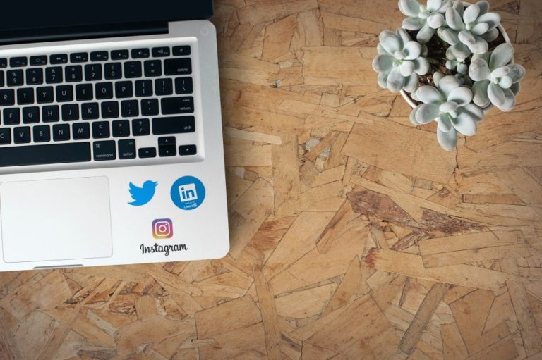 How to Use Social Selling As a Small Business featured image