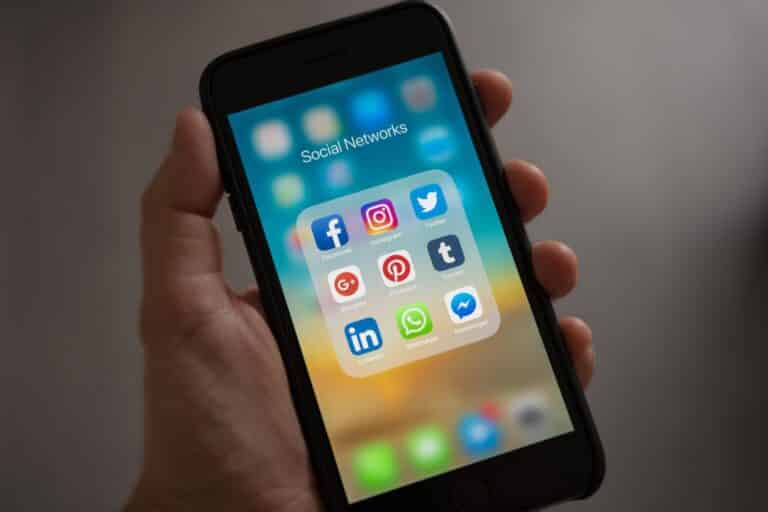 Business Owners On Social Media - Top 5 Mistakes featured image